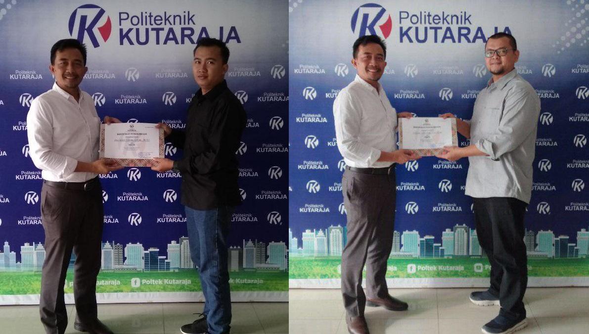 Penyerahan sertifikat narasumber yang dilakukan oleh Direktur Politeknik Kutaraja